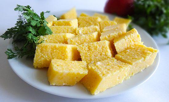 Паста (Мамалыга) пастэ, абыста из курурузной крупы-сечки с адыгейским сыром холодная вместо хлеба