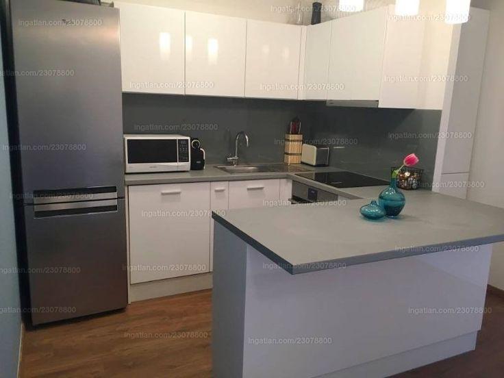 Az ár alkuképes!  Remek lehetőség, 2 szobás lakás, amelyben élni és befektetés céljából is ideális!  Eladá