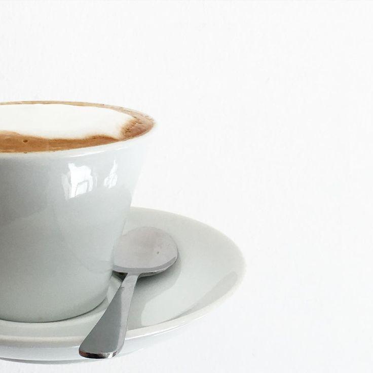 "sicurini CAFFE' auf Instagram: ""Sotto Zero Eis Recklinghausen #sicurini #sicurinicaffe #sottozeroeis #cappuccino #recklinghausen #coffee #coffeetime #coffeebreak #coffeelover #coffeexample #coffeeeu #kaffee #kaffeepause #caffe #simple #simplicity #espresso #espressobar #milchschaum #italiano #coffeeadicted #coffeeisalwaysagoodidea #caffelatte #latte #dolcevita #buongiorno"""