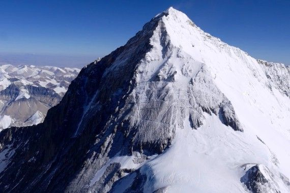 Eight-thousanders-AC-Everest Photo by Guy Cotter of the South Col route on Mt Everest, as seen from Lhotse.
