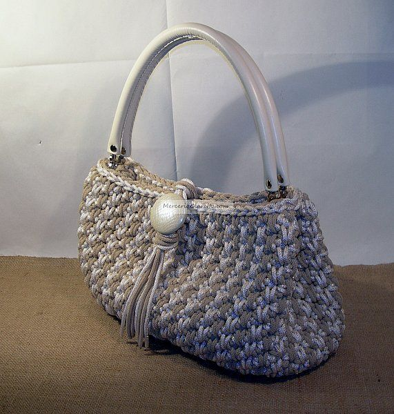 Di:Ornella  nice bag!  Please check out our website http://bax.fi