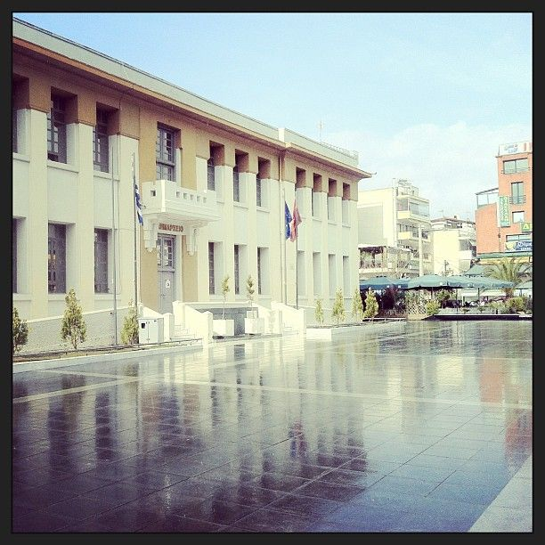 The city hall of Kalamaria is one of the oldest buildings of the town and was originally a school. (Walking Thessaloniki, Route 18 - Kalamaria)