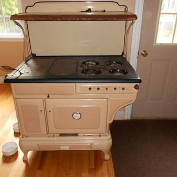 Show & Tell - Antique and Vintage Stoves | Collectors Weekly