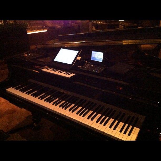 My little keyboard; Akai LPK25...