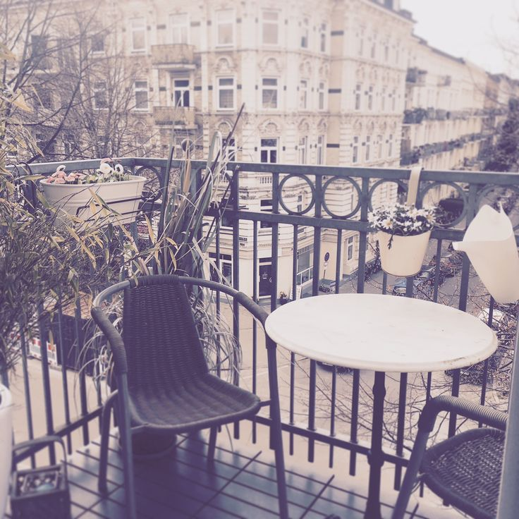 17 best ideas about sch ner balkon on pinterest balkon. Black Bedroom Furniture Sets. Home Design Ideas