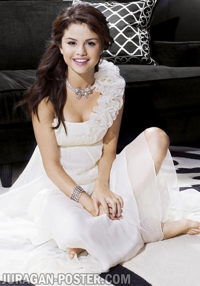 Jual Poster Selena Gomez Poster Selena Gomez foto Selena Gomez terbaru   #jual #poster #selena #gomez