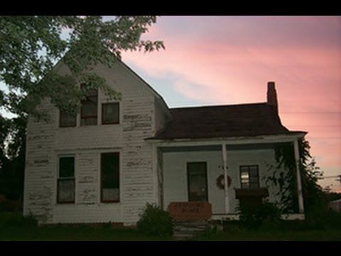 Real Paranormal Sightings Caught on Tape Villisca Axe Murders House Documentary - YouTube
