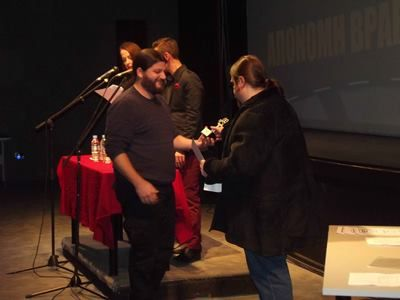 Τα Βραβεία του  5ου Διεθνούς Φεστιβάλ Ψηφιακού Κινηματογράφου Αθήνας- Ο «ΚΟΝΔΩΡΑΣ» του Γιάννη Κολόζη, ο μεγάλος νικητής.  Του Νίκου Μόσχοβου Στην ιστορία «πέρασε» πλέον το 5ο Φεστιβάλ Ψηφιακού Kινηματογράφου της Αθήνας (AIDFF) με την τελετή της απονομής των βραβείων  που πραγματοποιήθηκε  το βράδυ της Τετάρτης 23 Δεκεμβρίου  στον κινηματογράφο «Αλκυονίδα»…