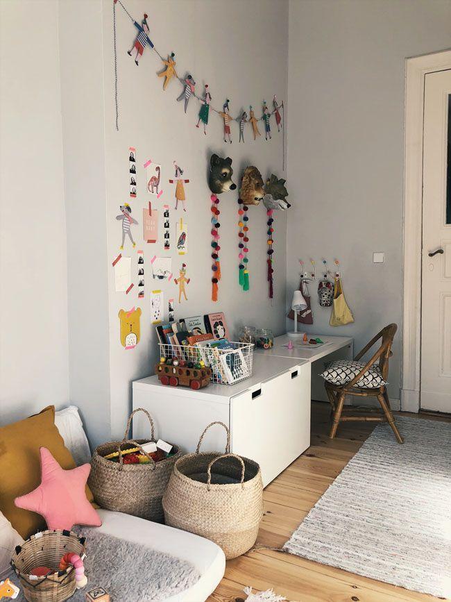 Kinderzimmer Für Eine 2 Jährige Bunt Kinngerecht Und Unglaublich
