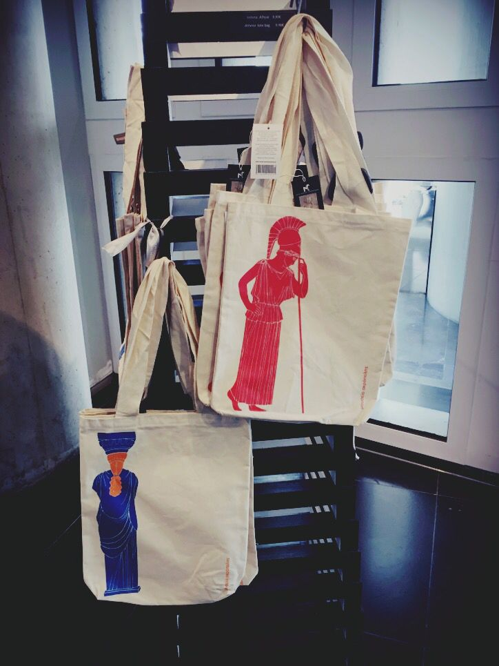 Tote bags for Acropolis Museum shops! Production: Prepack Design : Elena Zournatzi