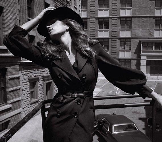Friss fotókon Cindy Crawford! 48 évesen is elképesztően dögös | femina.hu