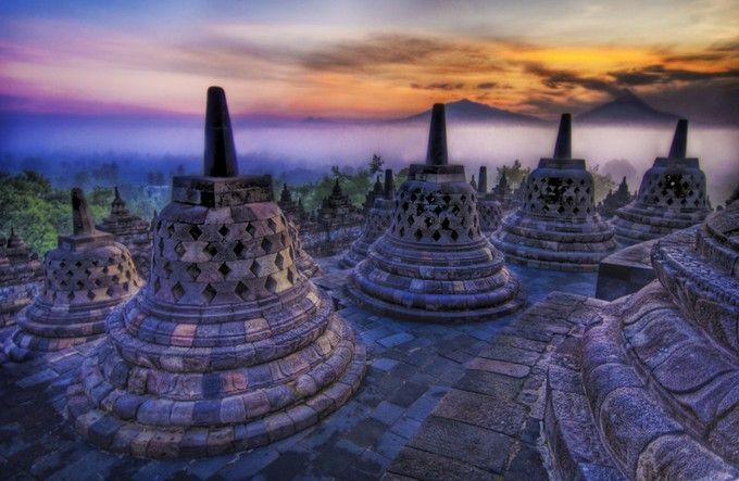 謎に包まれた世界遺産!インドネシアの「ボロブドゥール遺跡」とは