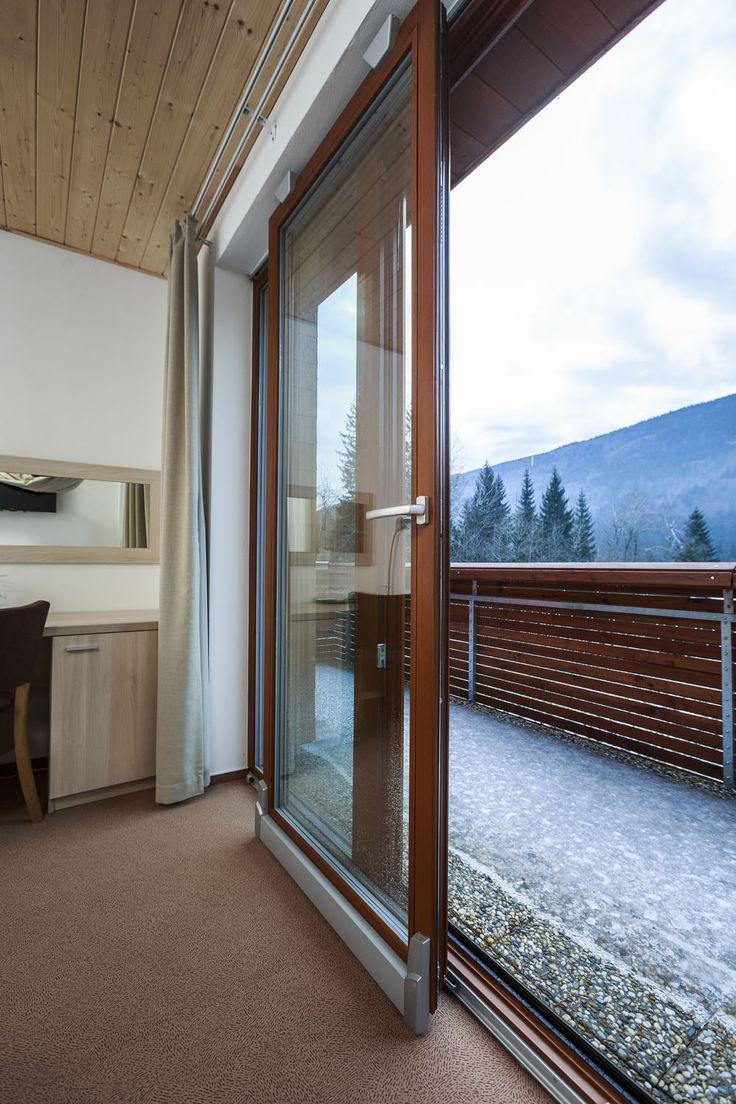 Jak na údržbu dřevěných Euro oken?