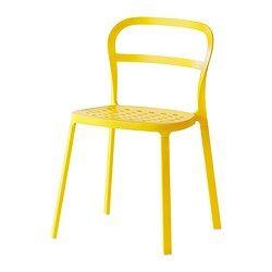 Chaises jaunes pour salle à manger (ou tabourets rouges, faut choisir). 6 à 8 chaises à utiliser en complément des bancs blancs. 49,99$ chaque