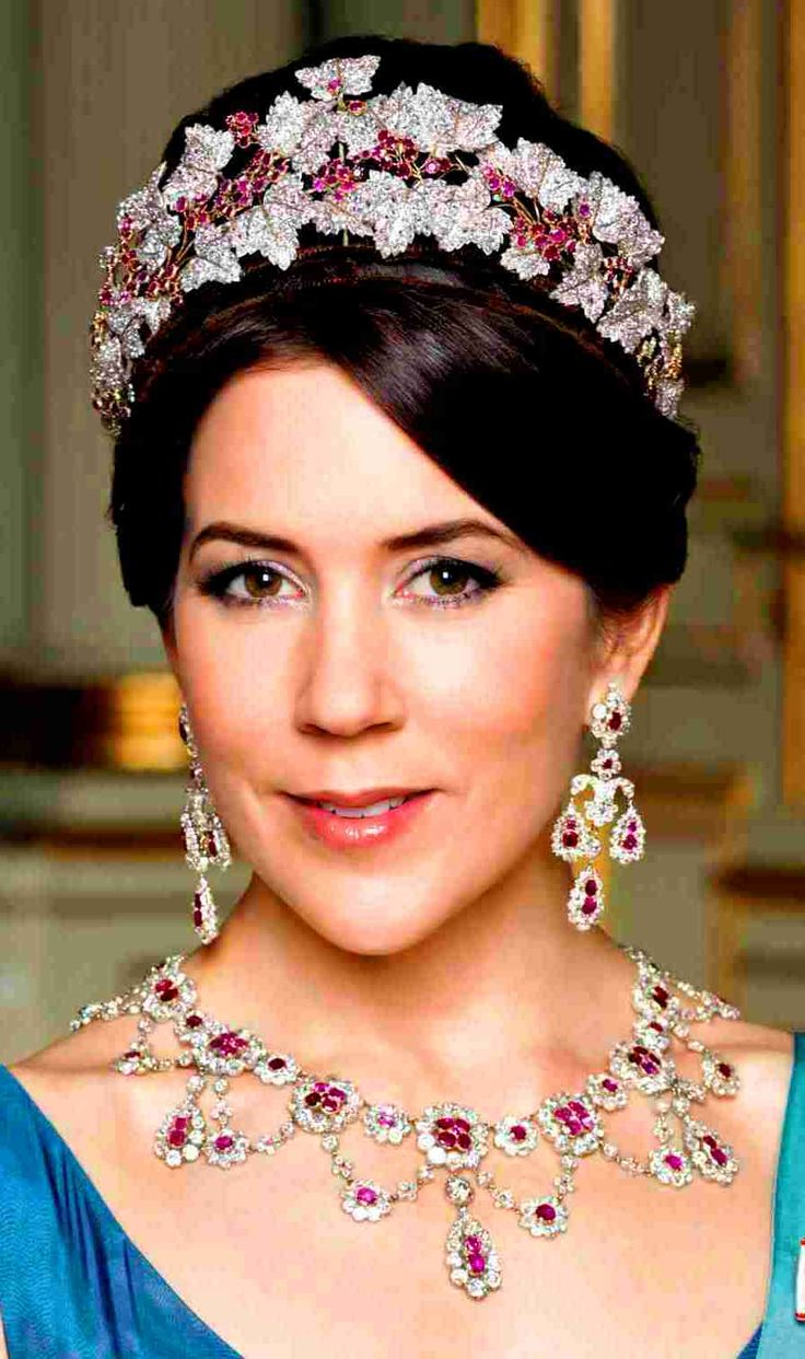 The princess-Mary dinam the queen-dans3