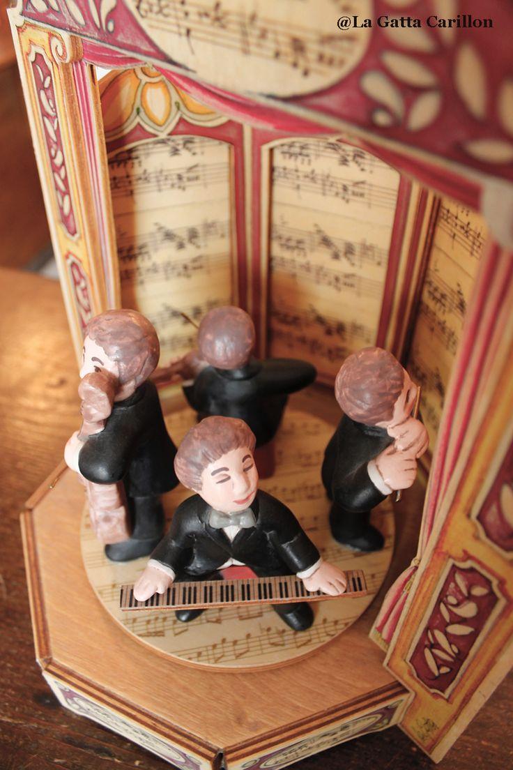 Carillon legno musicisti (legno e ceramica) Musician wooden music box (wood and ceramic handmade)