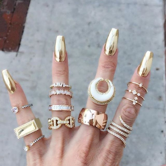 Perfect gold chrome nails by @nailthoughts for @jaimiegellerjewelry ❤️ Shop for gold chrome powder at DailyCharme.com ⬅️ Limited time only $10 off $65+ with code TENOFF65 ⬅️