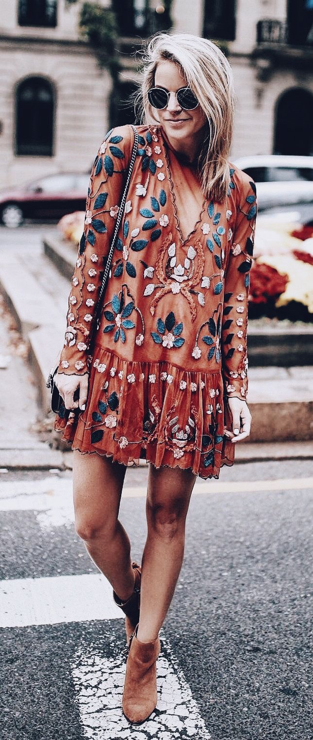I've always been in love with long-sleeved short dresses. I'm not usually into crazy patterns or colors, but this dress is a statement piece. Love it!