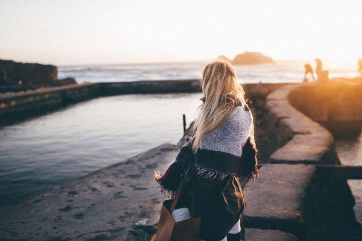 Υπάρχουν ακόμα προκαταλήψεις και στερεότυπα στην αντιμετώπιση από άντρες αλλά και γυναίκες, μιας γυναίκας που ταξιδεύει μόνη; Παρά τις προκ...
