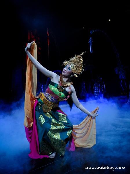 Legong dance at Devdan Show, held 4x a week in Nusa Dua Theater, Bali. Photo courtesy of Devdan Show.
