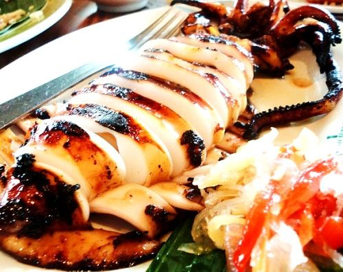 Inihaw na Pusit Recipe http://www.pinoyrecipe.net/pinoy-grilled-squid-inihaw-na-pusit/ - my all time favorite!