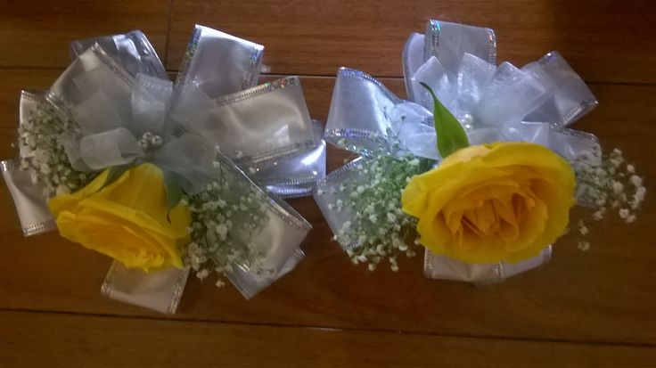 Rose Pin Corsages. With yellow rose #yellowcorsage #yellowrosecorsage #pincorsage #yellowpincorsage MyBouquet Las Vegas