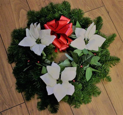 Soo's Creaxions: MAKING CHRISTMAS DECOR WITH FRESH FOLIAGE