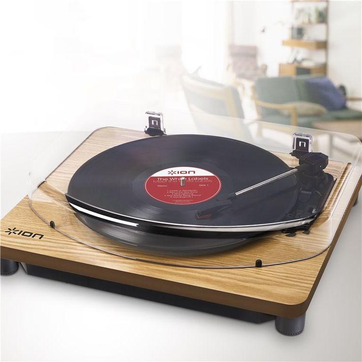 Ga maar vast naar zolder om je platencollectie tevoorschijn te halen, de ION Classic LP staat al warm te draaien! Een kraakje hier en daar, geweldig toch dat geluid van vinyl? Helemaal mooi dus, dat deze platenspeler je platen ook digitaliseert!