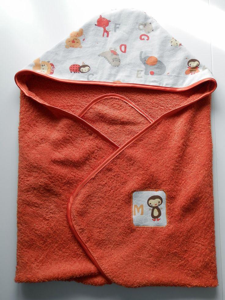 couture cape de bains toallones pinterest cape de bain toilette b b et serviette de toilette. Black Bedroom Furniture Sets. Home Design Ideas