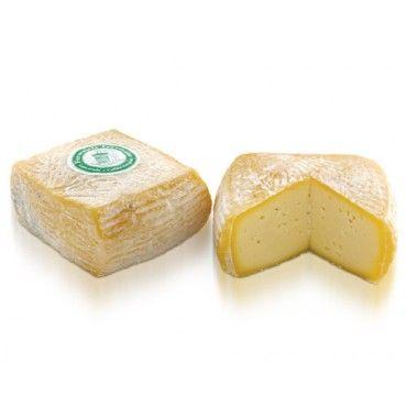 Il Piccolo Mariech, un  formaggio dolce a latte crudo prodotto a 1500 mt di altitudine in Malga Mariech - Valdobbiadene (TV)