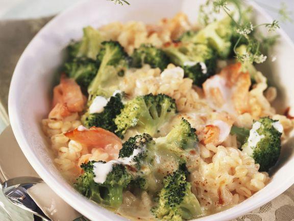 Ebly-Gratin mit Brokkoli und Lachs ist ein Rezept mit frischen Zutaten aus der Kategorie Blütengemüse. Probieren Sie dieses und weitere Rezepte von EAT SMARTER!