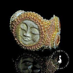 GWIEZDNY PYŁ – BRANSOLETA wyszywana KORALIKAMI. Misternie wyszyta w technice Bead Embroidery, bransoleta. Idealny prezent na każdą okazję: urodziny, imieniny, walentynki, pod choinkę.