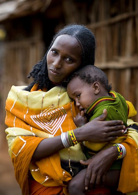 Oromia (East Africa) - beautiful Oromo mother and child