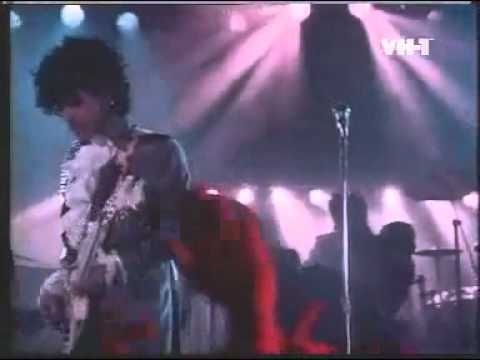 Prince - Purple Rain.. you'd be lying if you said this is not a GREAT song.. <3