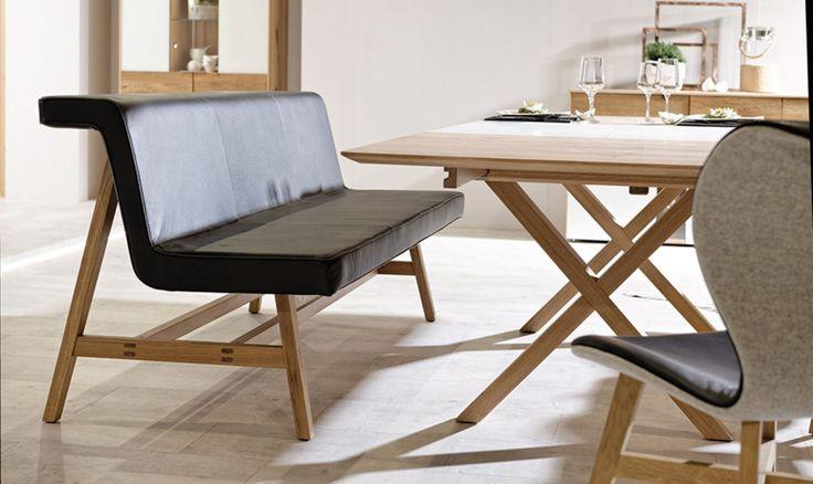 wie sie ein modernes esszimmer mit holzm beln gestalten. Black Bedroom Furniture Sets. Home Design Ideas
