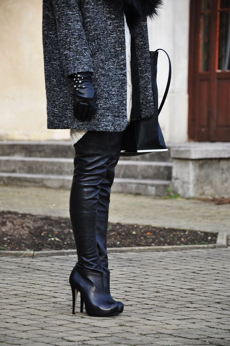 COAT, BOOTS – TOPSHOP DRESS, BAG – ZARA GLOVES, LEGGINGS – H&M EARRINGS – STRADIVARIUS, SWAROVSKI SUNGLASSES – RAY BAN WAYFARER  Kolejny oversize'owy płaszcz w m…