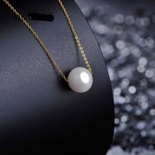 beautiful pearl necklace with 18K gold chain chain length....18 inches