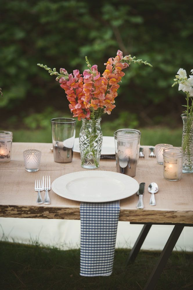 Elegant pig roast wedding