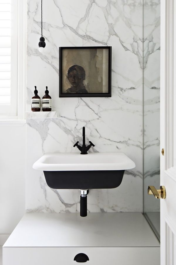 #marble #black #white #bathroom