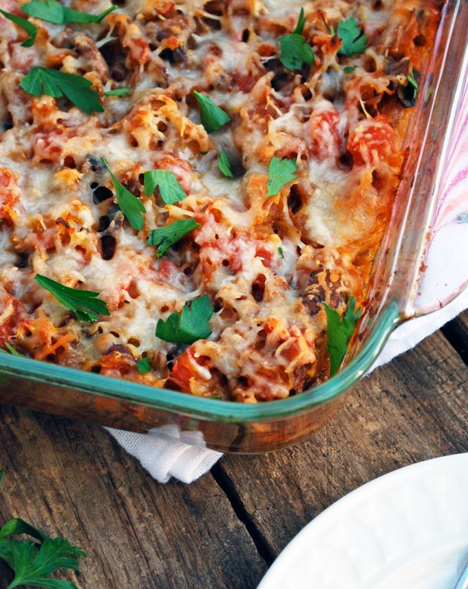 Spaghetti Squash Casserole - This is the best healthy dinner! Tons of veggies, warm and comforting! Full recipe at theliveinkitchen.com