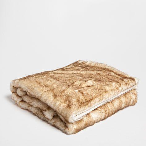 Two-Tone Fur Throw - Throws - Bedroom | Zara Home United States