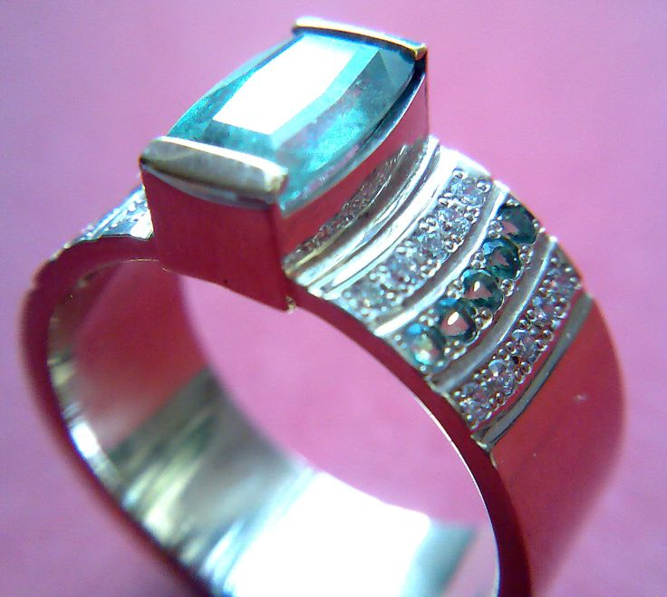 Кольцо Белое золото, александрит, брилианты