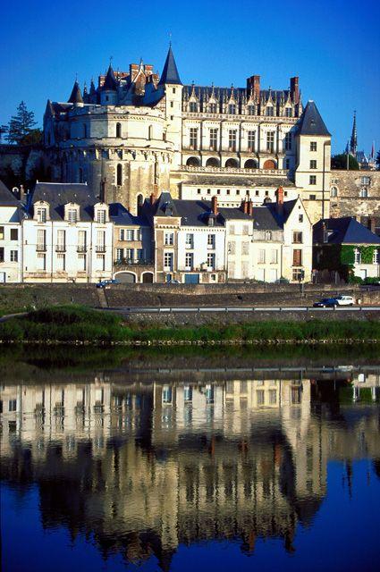 amboise... again #France #Paris #pariscityvision #visiterparis #tour #visit #travel #voyage #tourism #loire #valley #castles #chateaux #palais #vallee #amboise