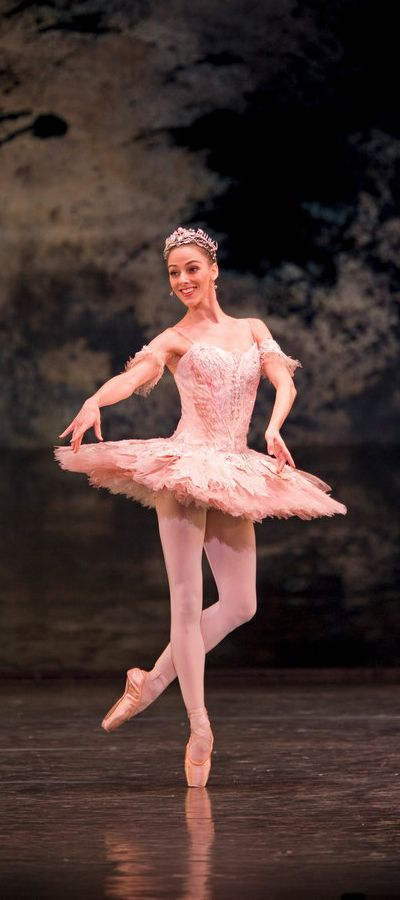 Birmingham Royal Ballet - The Nutcracker; Gaylene Cummerfield as Sugar Plum Fairy; photo: Bill Cooper
