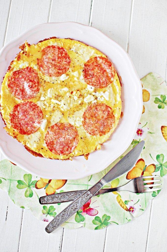 Omlet z salami i serem feta    Omelette