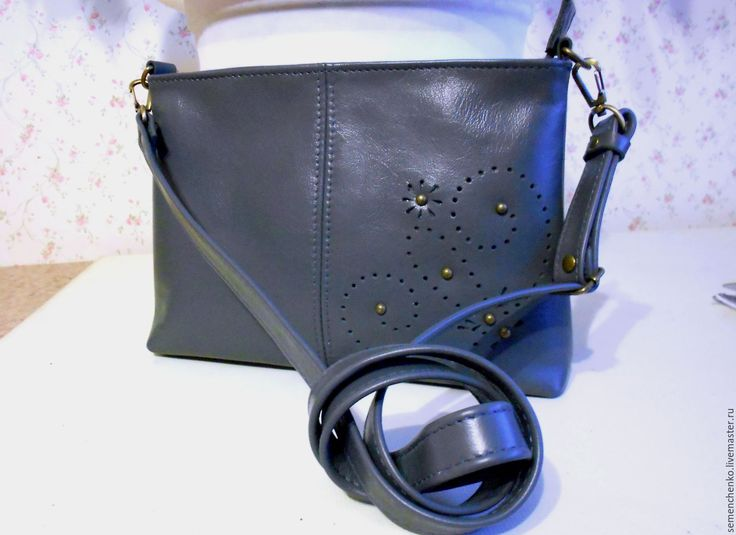 Купить Сумка через плечо, серая, кожа натуральная - темно-серый, однотонный, сумка