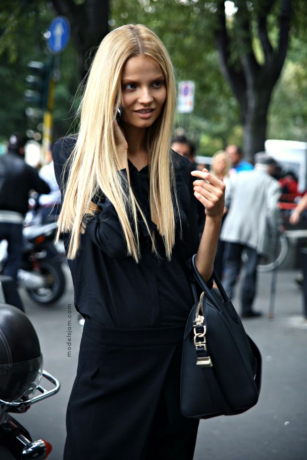 #MagdalenaFrackowiak being stunning as per usual. #offduty in Milan.