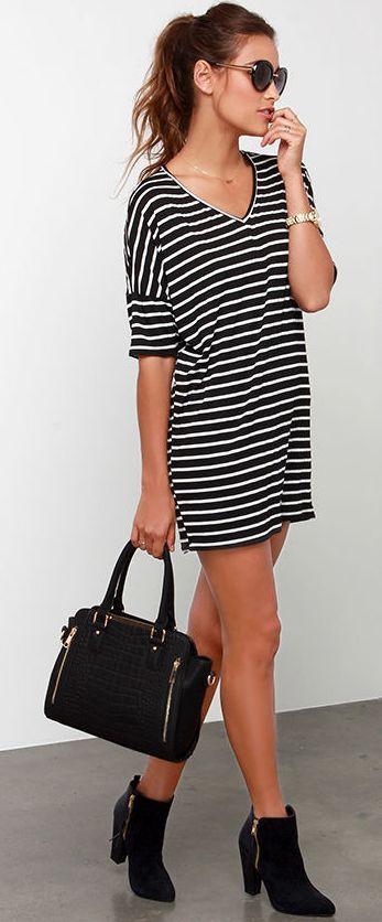 Street style | Striped mini dress, ankle boots, handbag