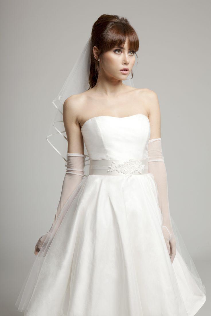 Grace 50s wedding dress www.melaniepotro.com