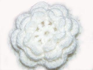 ....Szupermammi: háromrétegű horgolt virág